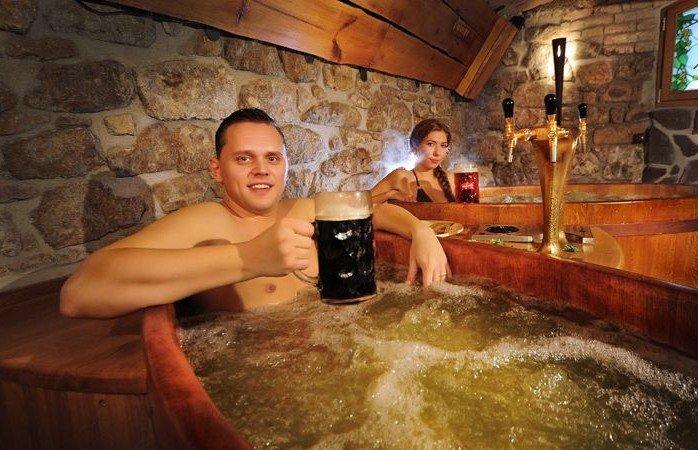 I 10 ristoranti pi strani del mondo cecchini viaggi - Bagno birra praga ...