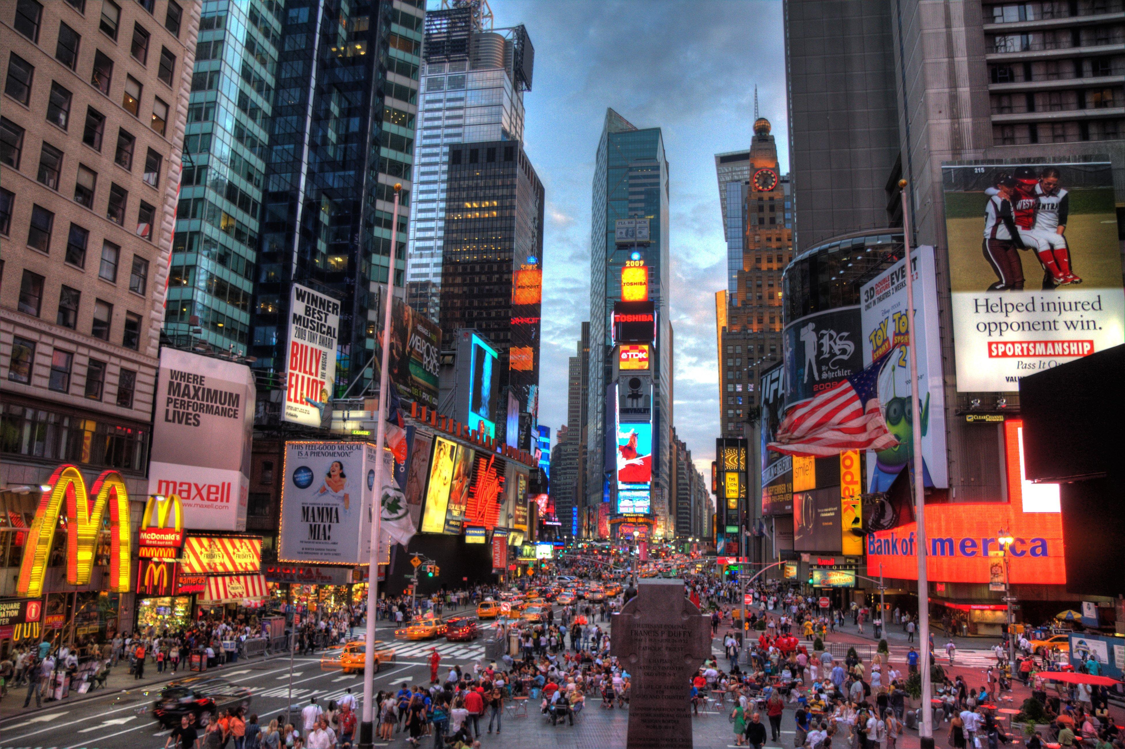 New York Times Square cecchini viaggi